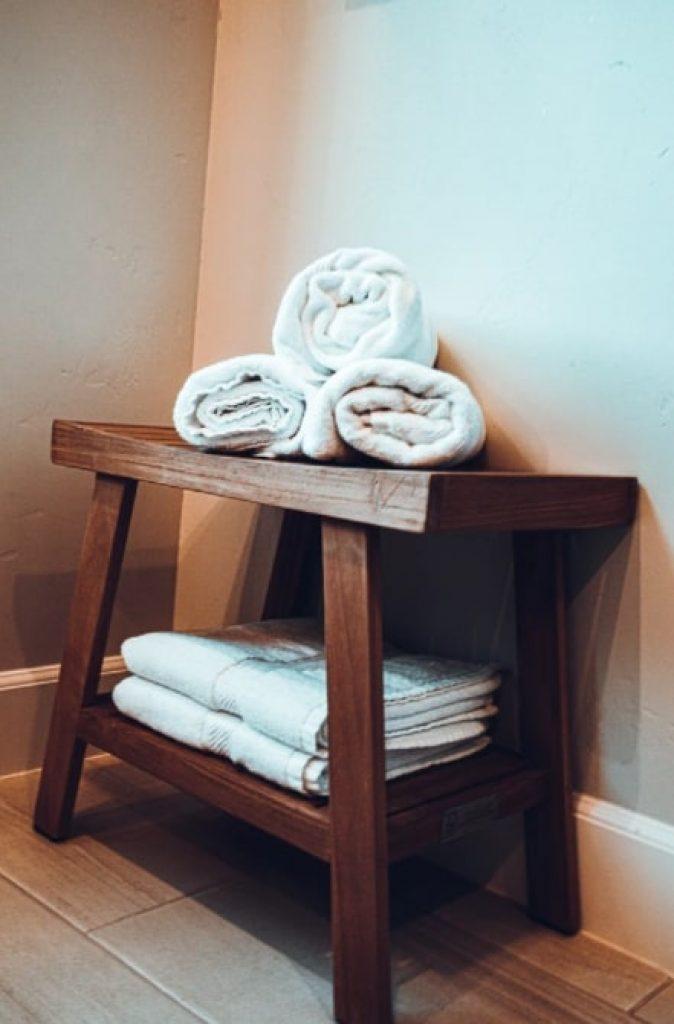 Airbnb Towel Color